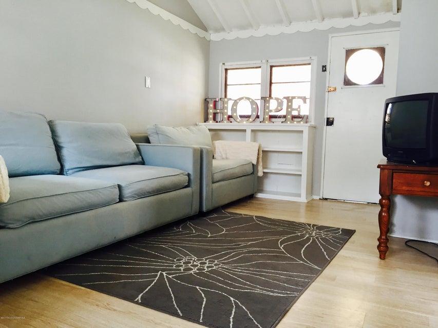 Casa Unifamiliar por un Alquiler en 603 6th Avenue Spring Lake Heights, Nueva Jersey 07762 Estados Unidos