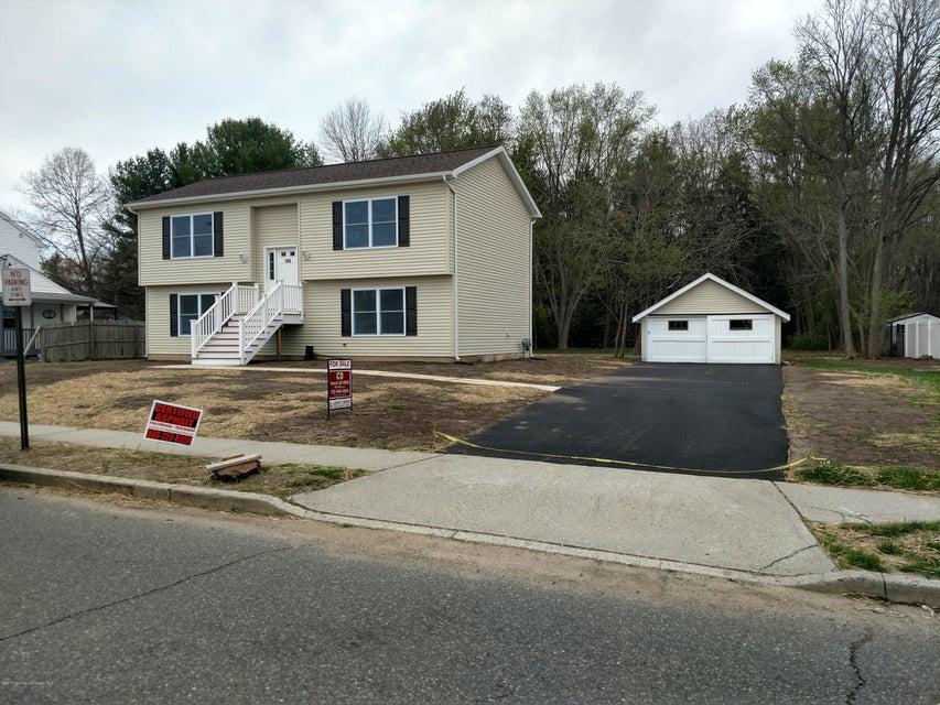 Maison unifamiliale pour l Vente à 152 Snowhill Street Spotswood, New Jersey 08884 États-Unis
