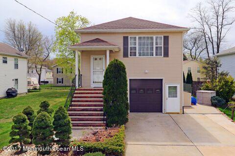 Casa para uma família para Venda às 8 Ives Court 8 Ives Court Monroe, Nova Jersey 08831 Estados Unidos