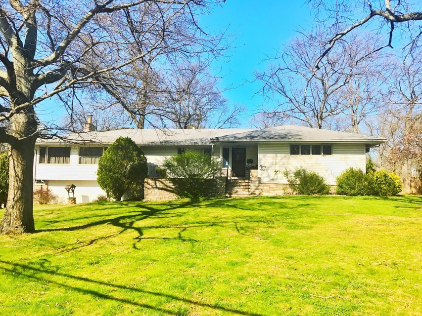 Single Family Home for Sale at 81 Herman Drive Spotswood, New Jersey 08884 United States