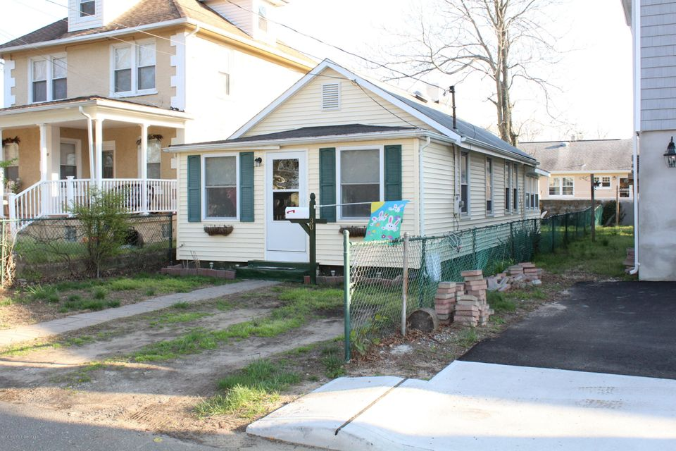 Single Family Home for Rent at 30 Collins Street Keansburg, New Jersey 07734 United States