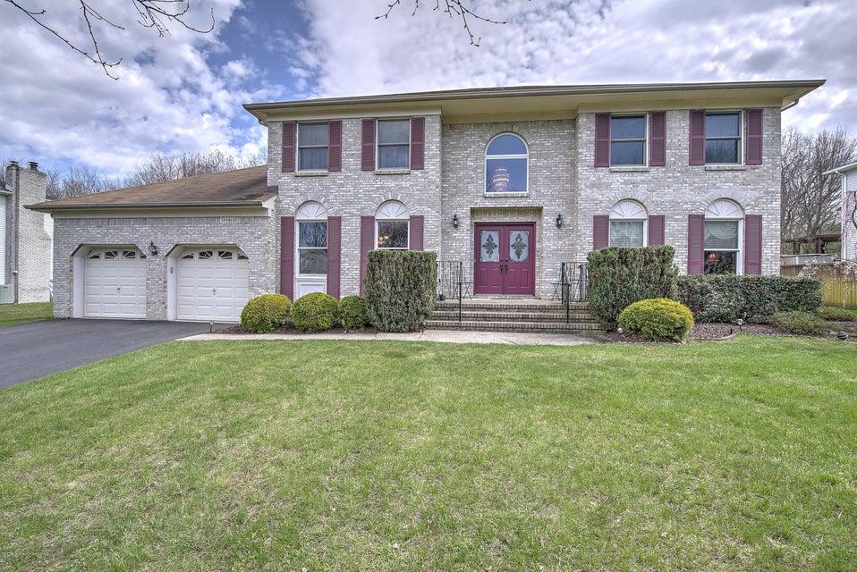 独户住宅 为 销售 在 43 Crest Drive 英语城, 新泽西州 07726 美国