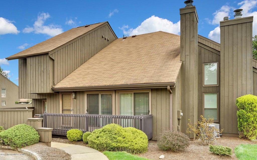 独户住宅 为 销售 在 130 Westgate Drive 爱迪生, 08820 美国