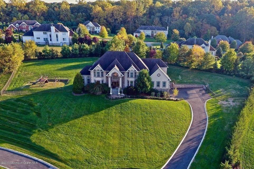 Casa Unifamiliar por un Venta en 719 Montana Drive Morganville, Nueva Jersey 07751 Estados Unidos