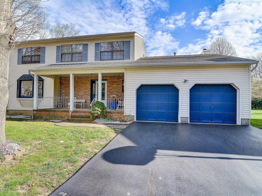 独户住宅 为 销售 在 10 Wright Court 东布朗士维克, 08816 美国