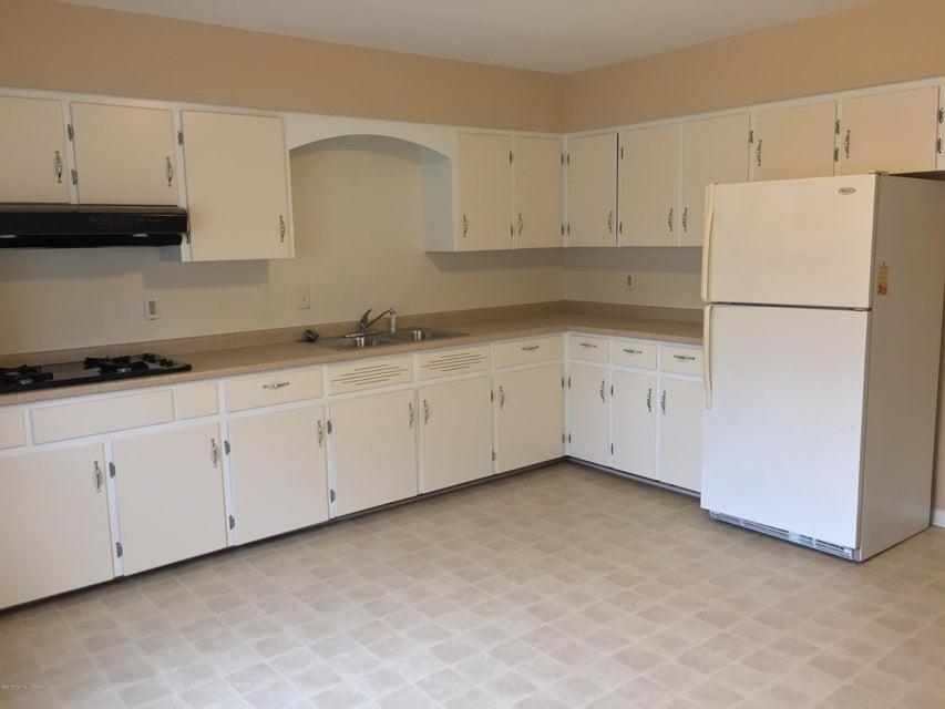 公寓 为 出租 在 874 Main Street 贝尔福德, 新泽西州 07718 美国