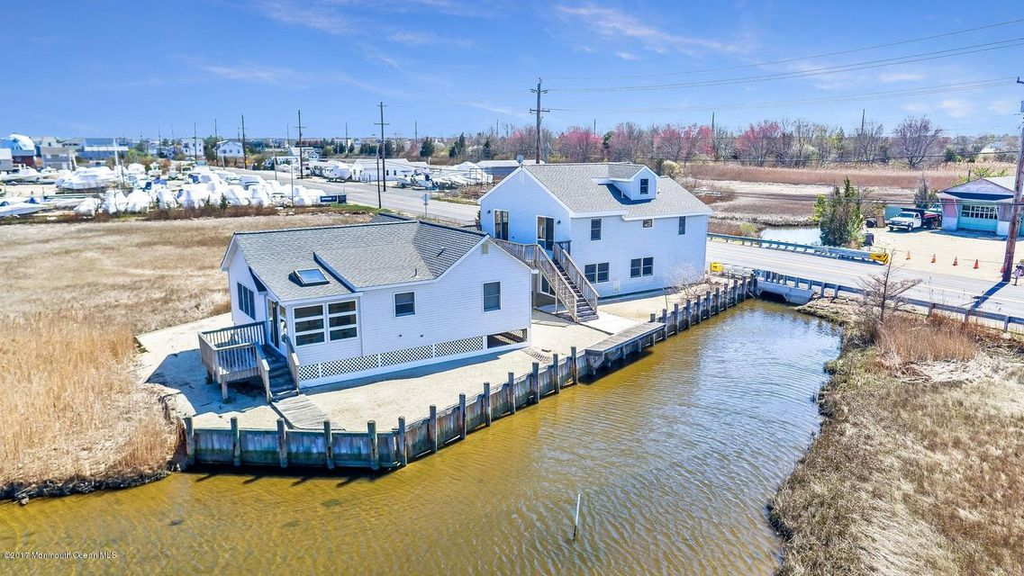 1214 E Bay Avenue, Manahawkin, NJ 08050