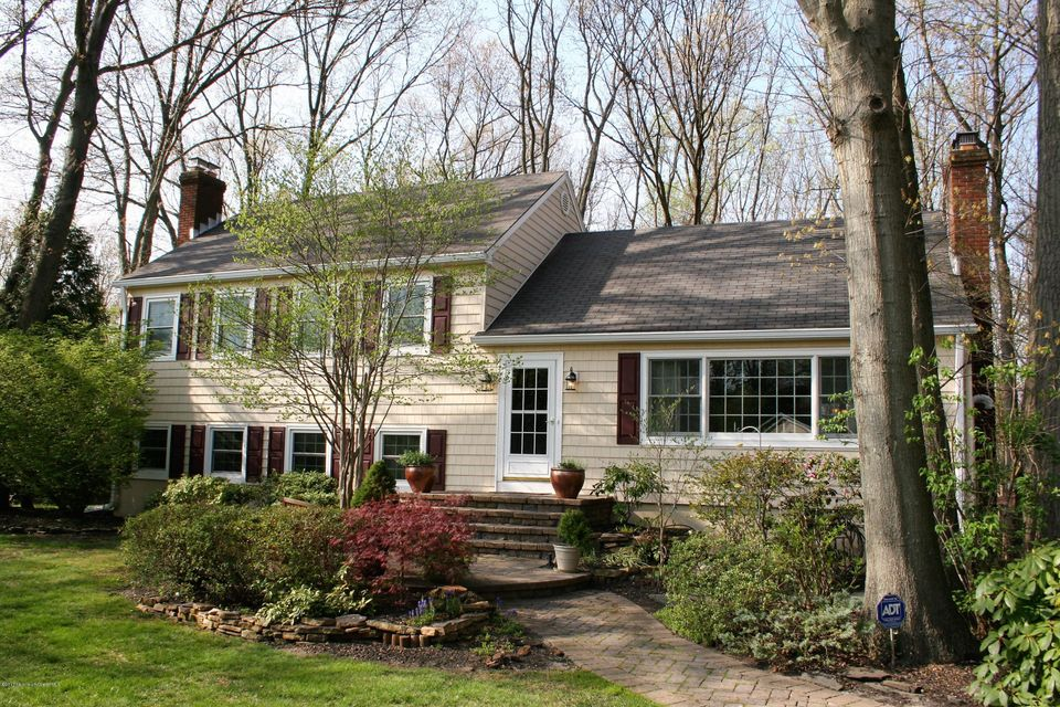 Single Family Home for Sale at 7 Bay Hill Road Leonardo, New Jersey 07737 United States