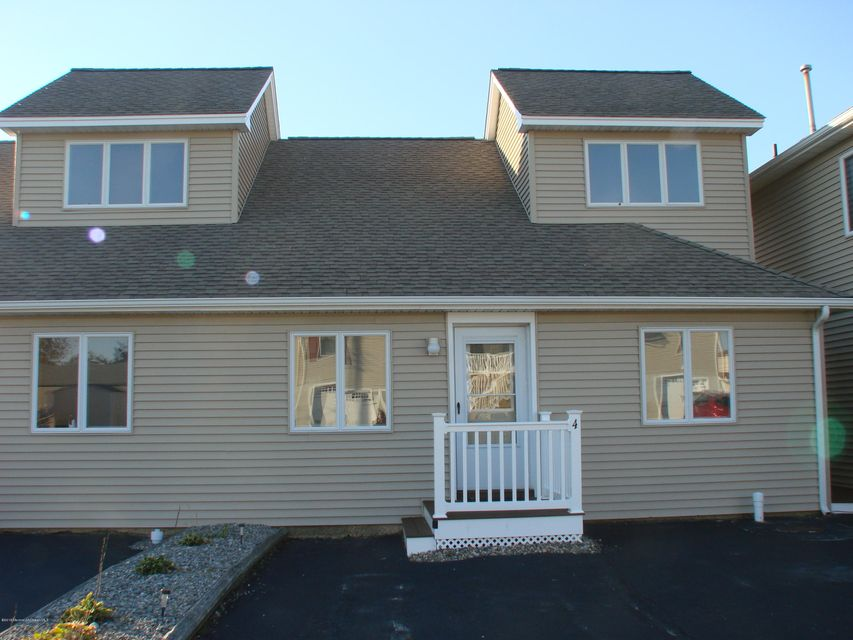 Maison unifamiliale pour l Vente à 500 Engleside Avenue Beach Haven, New Jersey 08008 États-Unis