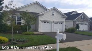Casa Unifamiliar por un Alquiler en 3 Danbury Court Jackson, Nueva Jersey 08527 Estados Unidos