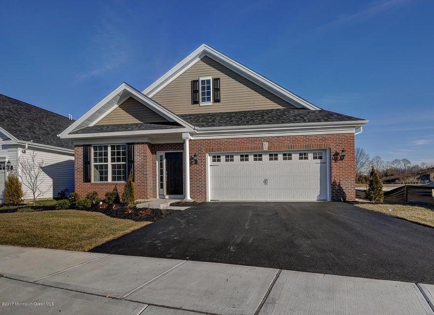 独户住宅 为 销售 在 80 Woodview Drive Whiting, 08759 美国
