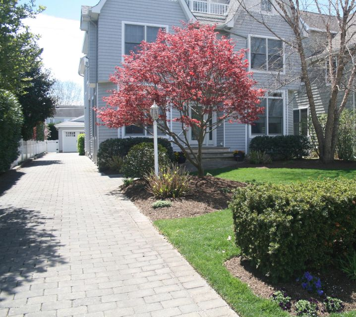 Maison unifamiliale pour l Vente à 318 Philadelphia Boulevard Sea Girt, New Jersey 08750 États-Unis