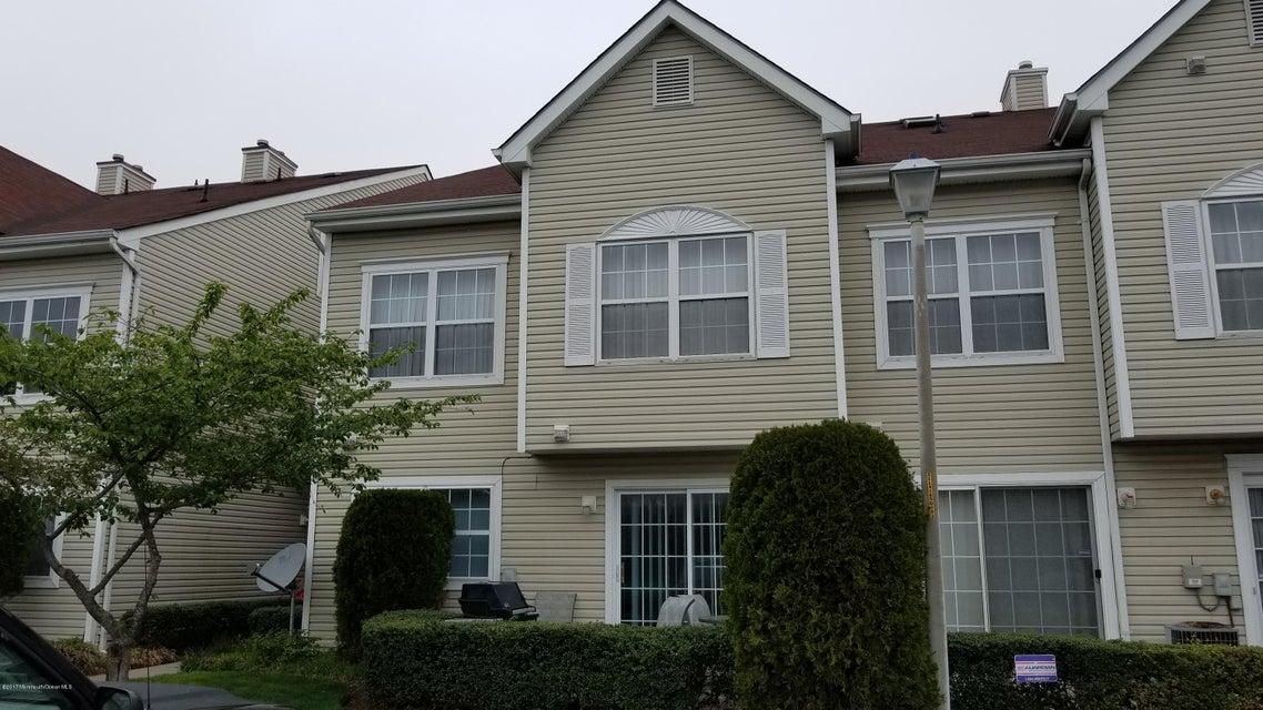 Appartement en copropriété pour l à louer à 122 Mid Ocean Court Howell, New Jersey 07731 États-Unis