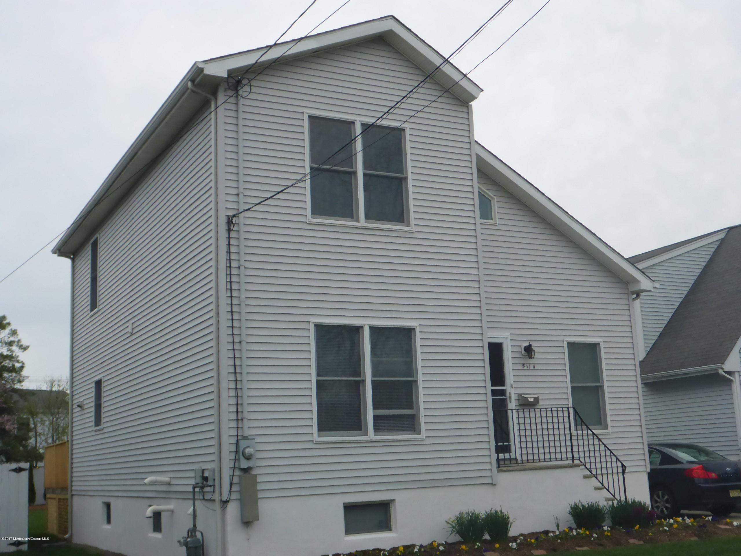 独户住宅 为 销售 在 511 16th Avenue 科摩湖, 07719 美国