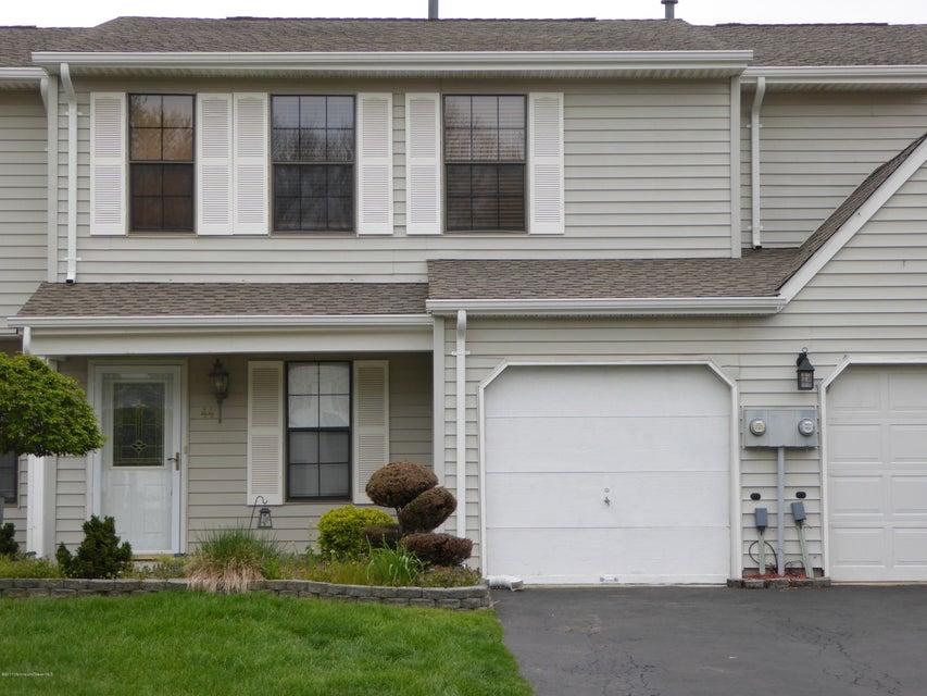 Condominio por un Alquiler en 44 Mariners Cv Freehold, Nueva Jersey 07728 Estados Unidos