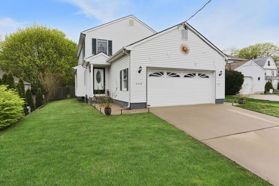 Single Family Home for Sale at 2219 Old Mill Road Spring Lake Heights, New Jersey 07762 United States