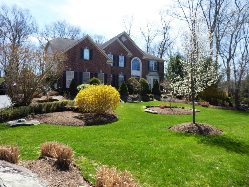 Single Family Home for Sale at 2 Littlefield Drive Farmingdale, New Jersey 07727 United States