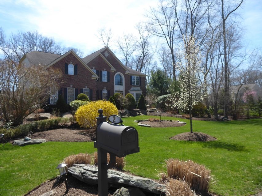 Single Family Home for Sale at 2 Littlefield Drive Farmingdale, 07727 United States