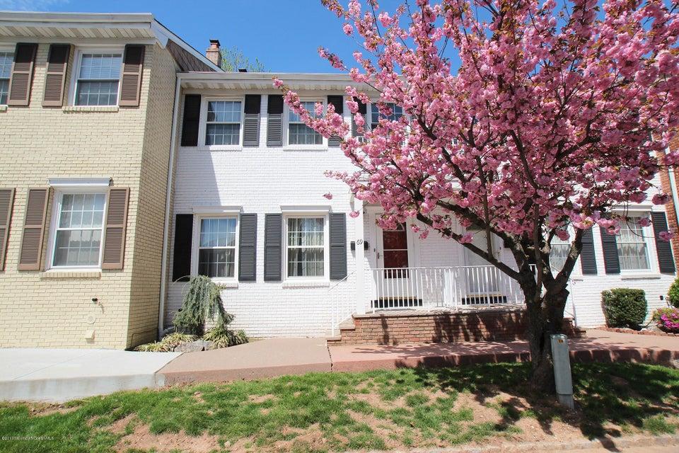 Casa Unifamiliar por un Venta en 69 Wick Drive Fords, Nueva Jersey 08863 Estados Unidos