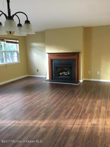 共管式独立产权公寓 为 出租 在 2402 Metedeconk Freehold, 新泽西州 07728 美国