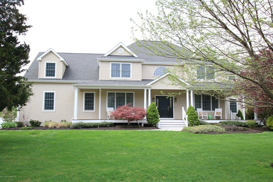 Maison unifamiliale pour l Vente à 2 Phipps Place Tinton Falls, New Jersey 07724 États-Unis