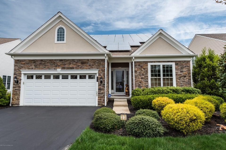 独户住宅 为 销售 在 22 Chalfont Lane 曼彻斯特, 08759 美国