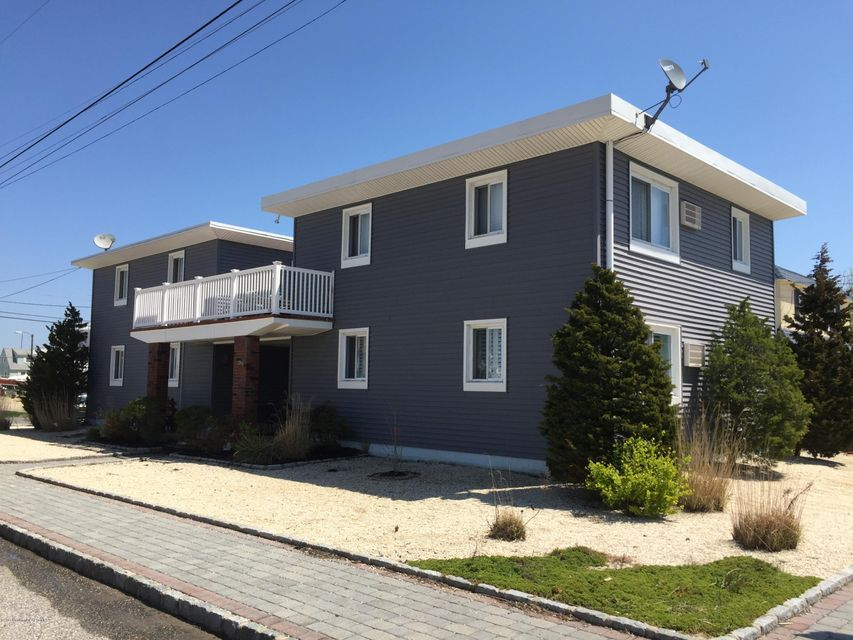 129 N Pennsylvania Avenue 2, Beach Haven, NJ 08008