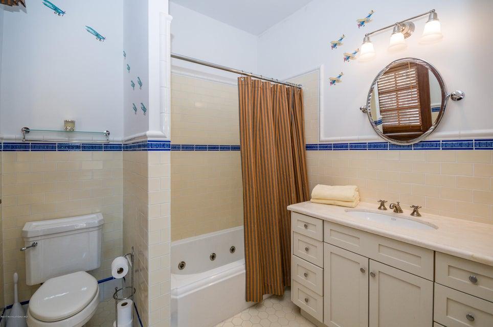 Bedroom 6 Bath