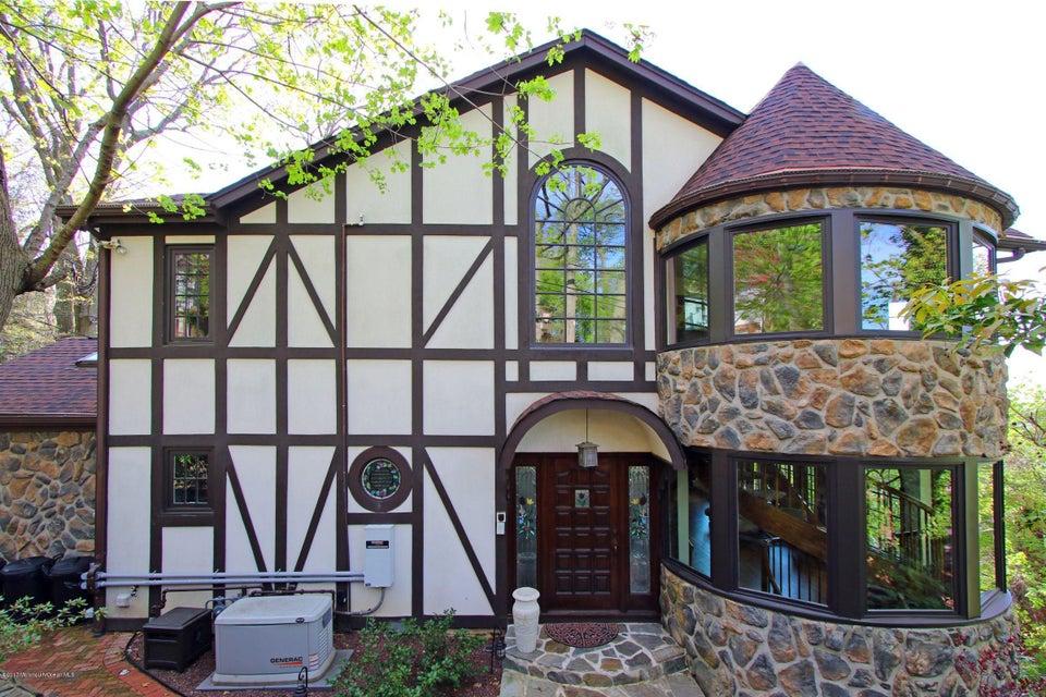 Villa per Vendita alle ore 9 Hooper Avenue Atlantic Highlands, New Jersey 07716 Stati Uniti