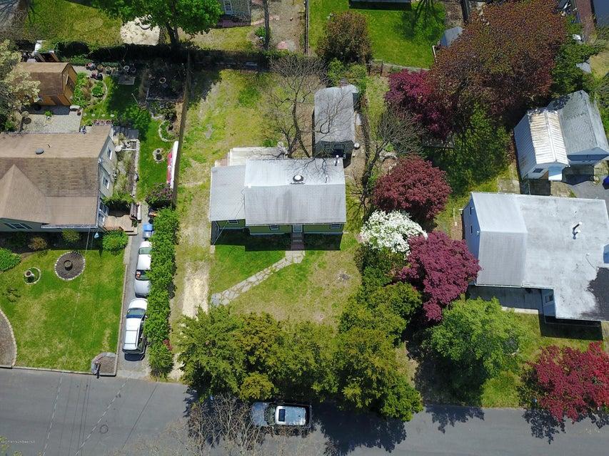 独户住宅 为 销售 在 10 Admiral Avenue 汤姆斯河, 新泽西州 08753 美国