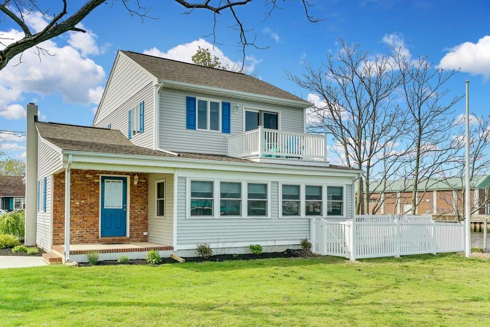 Casa Unifamiliar por un Alquiler en 90 Stockton Lake Boulevard 90 Stockton Lake Boulevard Manasquan, Nueva Jersey 08736 Estados Unidos