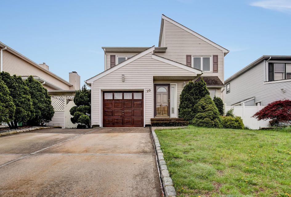Single Family Home for Sale at 20 Tanbark Drive Parlin, New Jersey 08859 United States