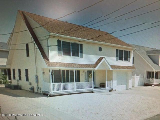 Casa Unifamiliar por un Venta en 102 Kathryn Avenue South Seaside Park, Nueva Jersey 08752 Estados Unidos