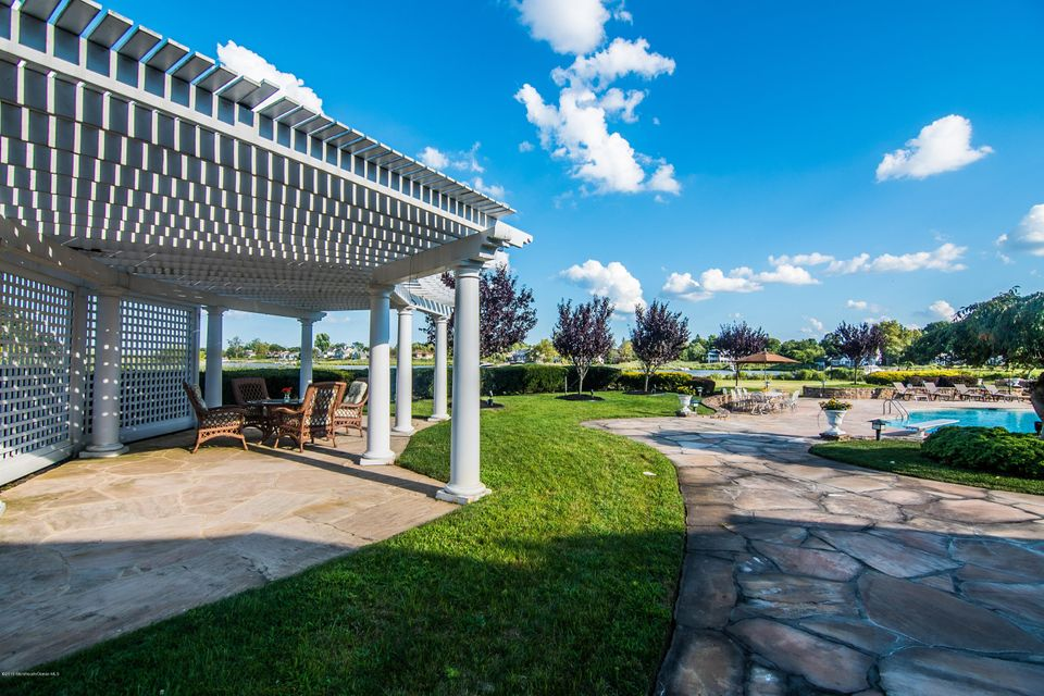 PERGOLA ENTERTAINING SPACE