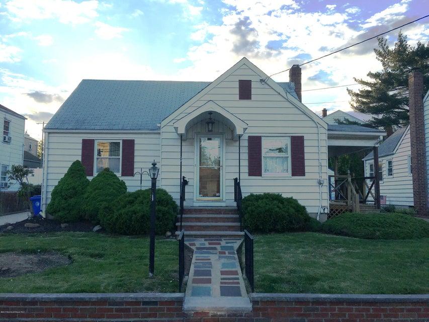 Maison unifamiliale pour l Vente à 631 Raritan Avenue Perth Amboy, New Jersey 08861 États-Unis
