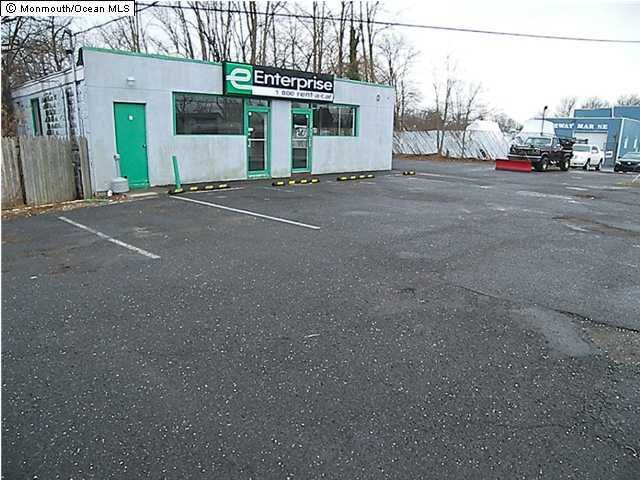 Commercial for Sale at 556 State Route 36 556 State Route 36 Belford, New Jersey 07718 United States