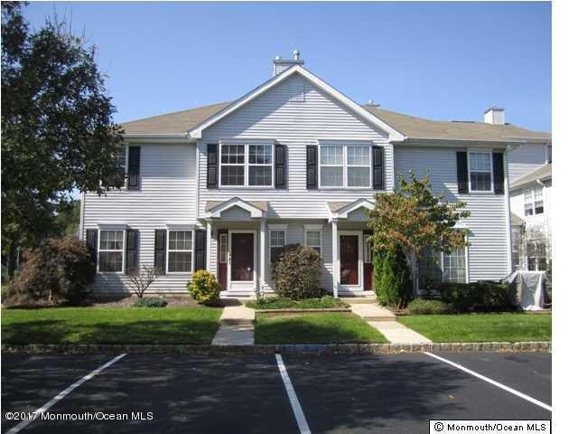 共管式独立产权公寓 为 出租 在 755 Banyan Court 摩根维尔, 新泽西州 07751 美国