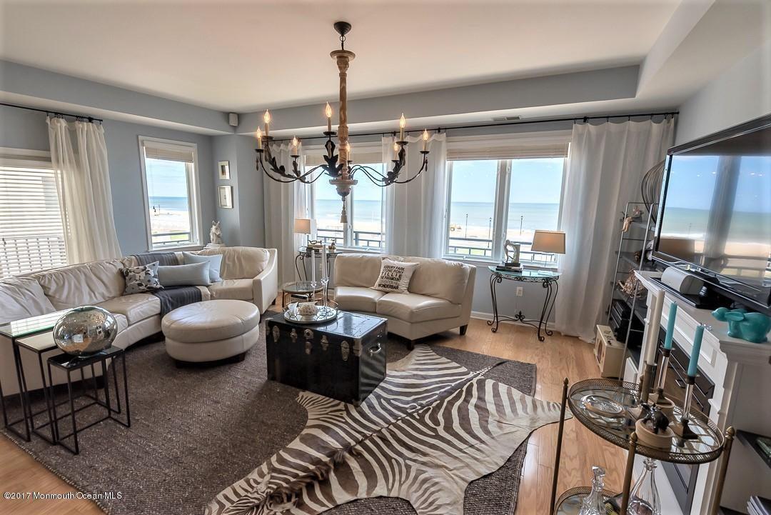 Casa para uma família para Venda às 1501 Ocean Avenue Asbury Park, Nova Jersey 07712 Estados Unidos