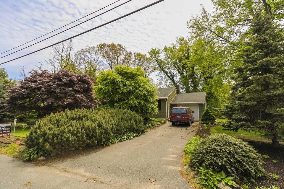 240 Vansant Avenue, Island Heights, NJ 08732