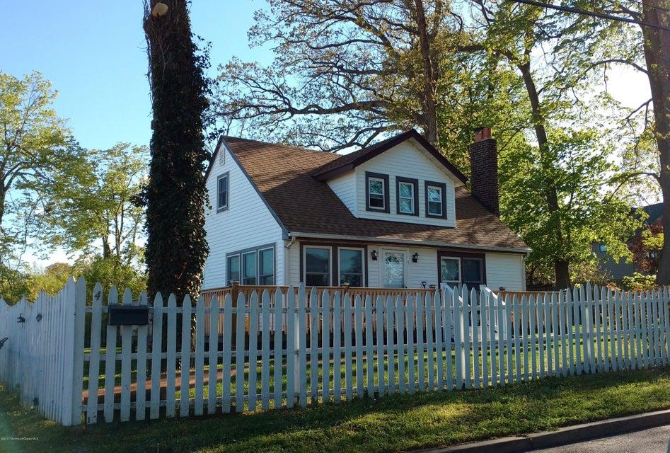 Maison avec plusieurs logements pour l Vente à 4 Burlington Avenue Leonardo, New Jersey 07737 États-Unis