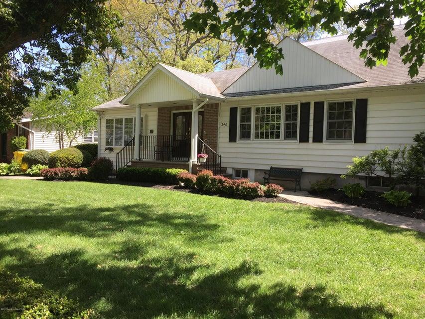 独户住宅 为 销售 在 246 12th Street 莱克伍德, 新泽西州 08701 美国