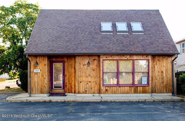Commercial pour l Vente à 1315 Beaver Dam Road 1315 Beaver Dam Road Point Pleasant, New Jersey 08742 États-Unis