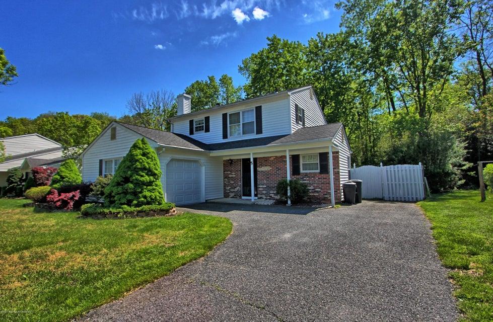 Casa Unifamiliar por un Alquiler en 5 Atlantis Terrace Freehold, Nueva Jersey 07728 Estados Unidos