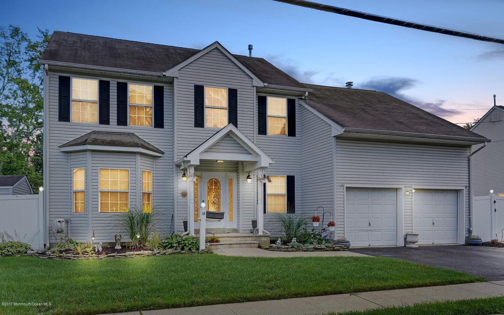 Single Family Home for Sale at 17 Hamilton Street Englishtown, New Jersey 07726 United States