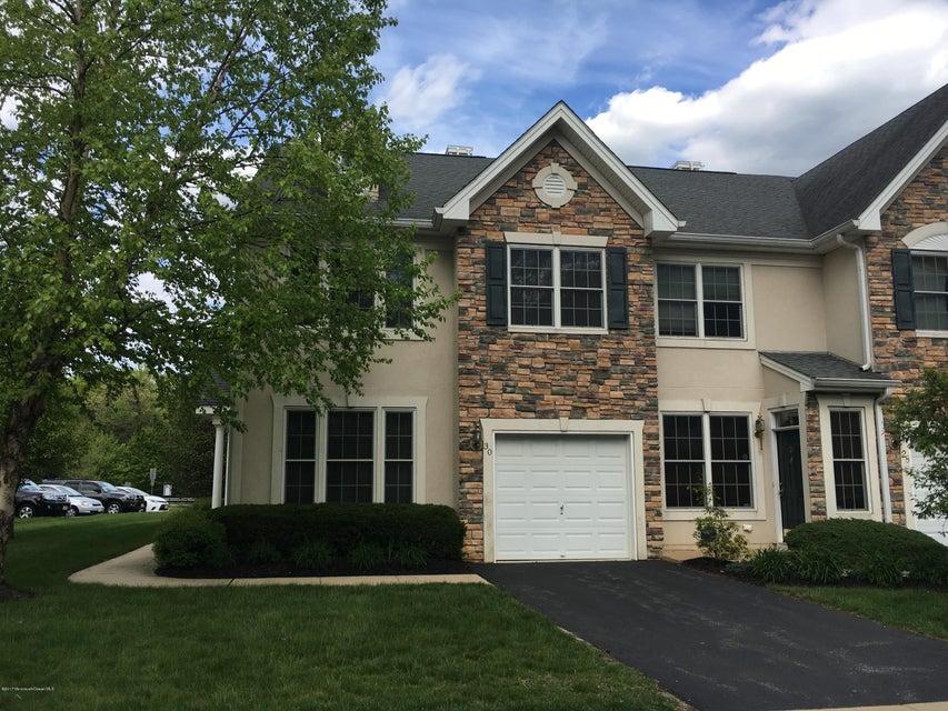 Maison unifamiliale pour l à louer à 30 Indigo Drive Old Bridge, New Jersey 08857 États-Unis