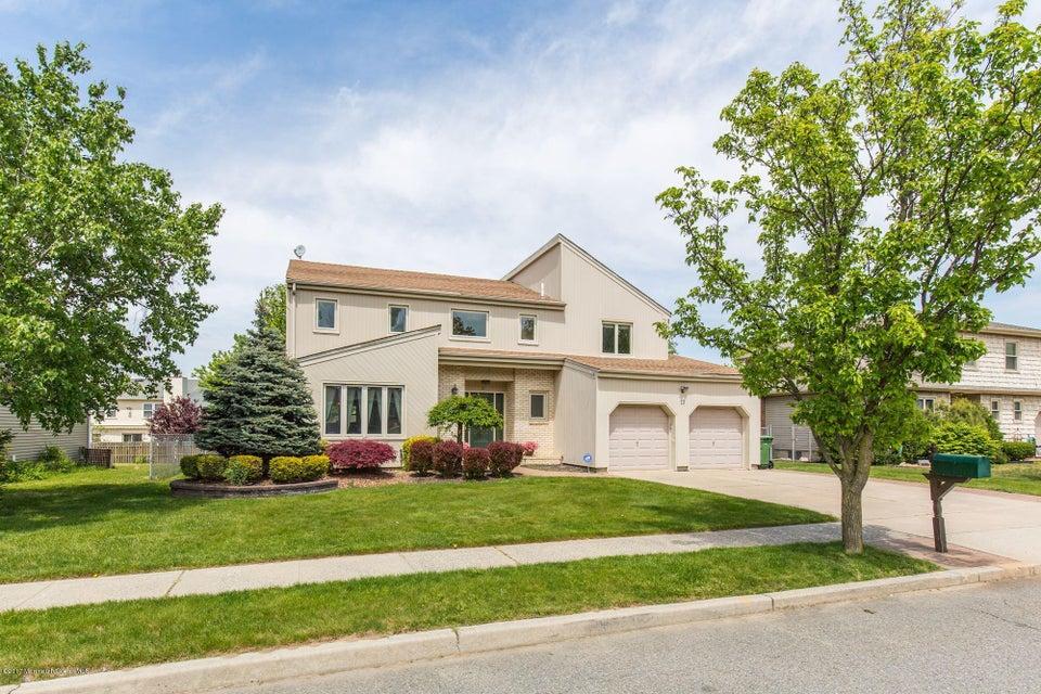 独户住宅 为 销售 在 12 Scarlet Drive Parlin, 新泽西州 08859 美国