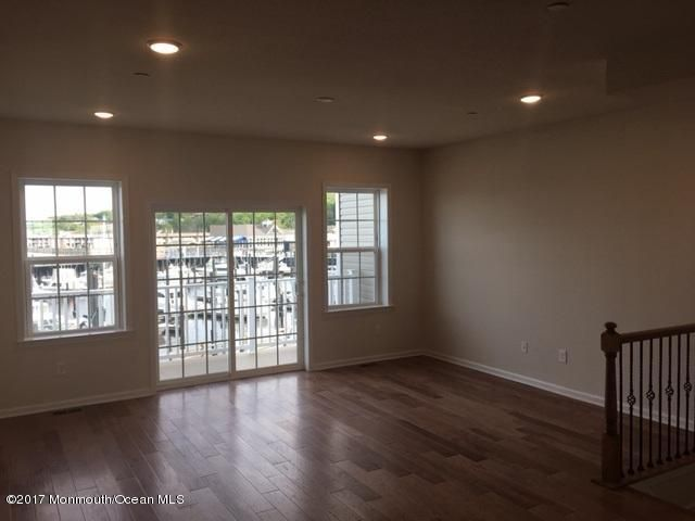 bright gathering room with views of mari