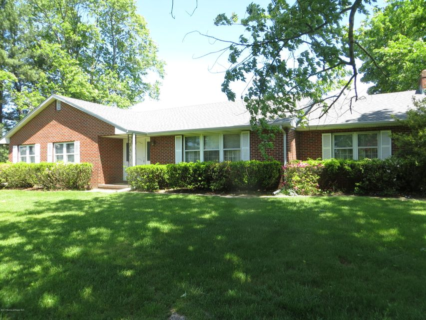 Single Family Home for Sale at 2215 Fostertown Road 2215 Fostertown Road Hainesport, New Jersey 08036 United States
