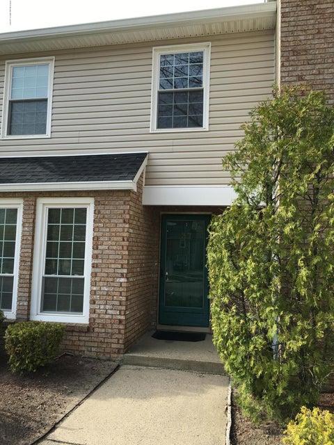 共管式独立产权公寓 为 出租 在 37 Culford Place 万宝路, 新泽西州 07746 美国