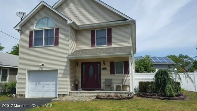 Maison unifamiliale pour l Vente à 36 Clinton Street North Middletown, New Jersey 07748 États-Unis